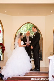 Jacqui giving Matt her vows <3